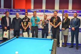 Medaliści i organizatorzy Grand Prix