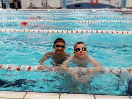 Pływacy UKS Batory