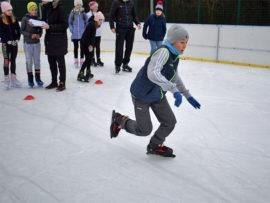 Zawody łyżwiarskie dzieci