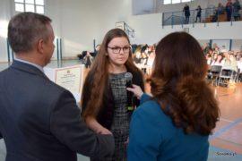 Aleksandra Druć była jedną ze 170 uczniów, którzy w piątek 7 lutego 2020 roku otrzymali stypendia naukowe Burmistrza Sokółki za wysokie wyniki w nauce.