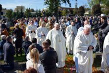 Przeniesienie Najświętszego Sakramentu i kustodii z Cząstką Ciała Pańskiego